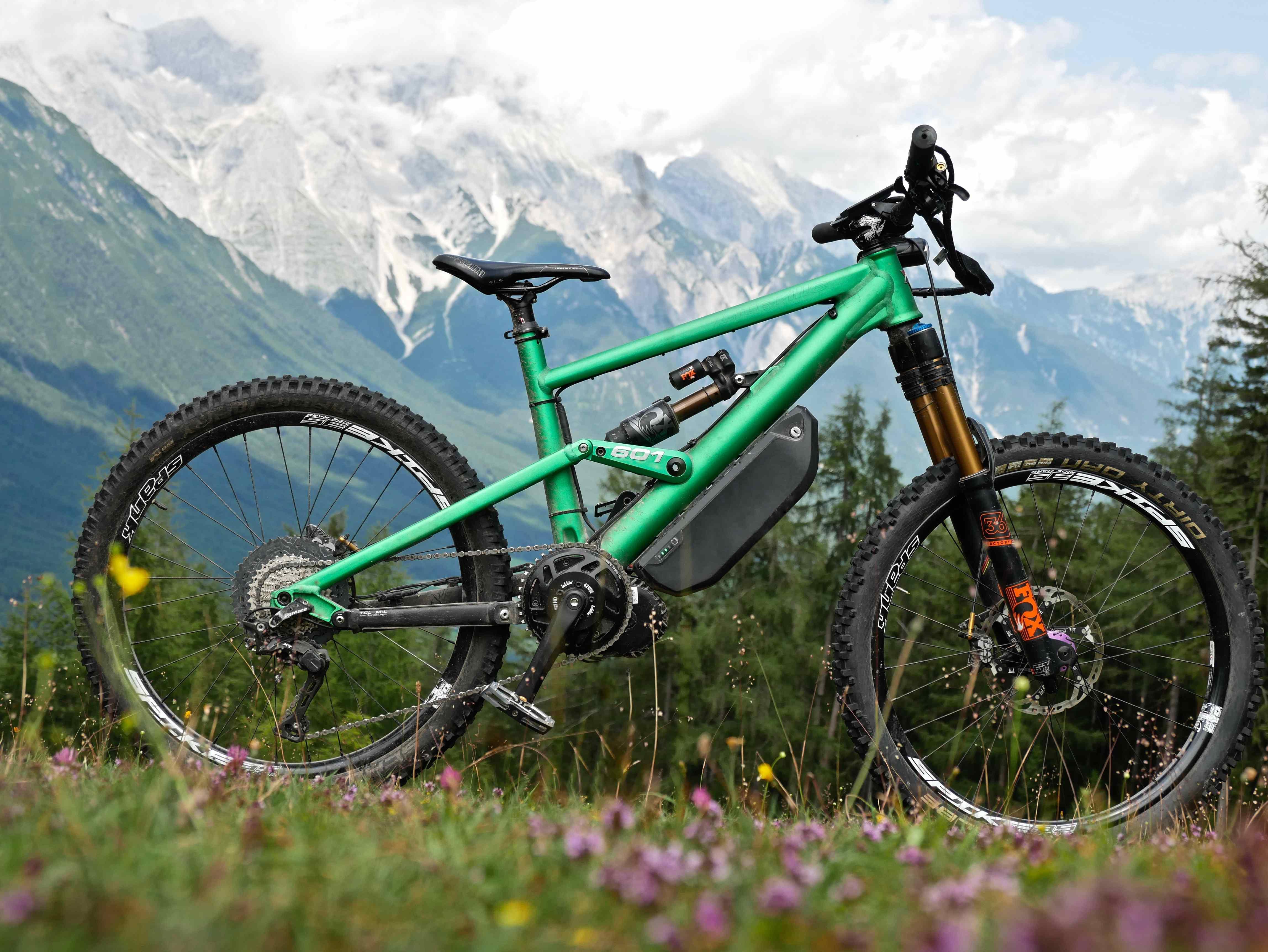 Bike-mit-Fasterbikes-bbshd-motor-akku